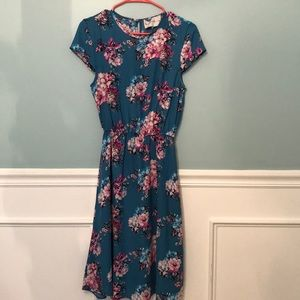 Charles Henry floral dress Size Small NWT
